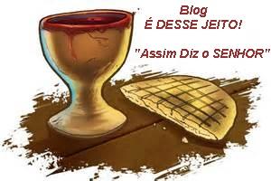 Imagem de um cálice dos tempos do nosso SALVADOR JESUS, e a imagem de um pedaço de pão asmo .