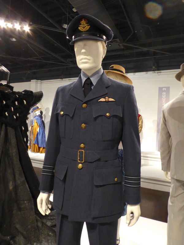Brad Pitt Allied Max Vatan WWII movie costume