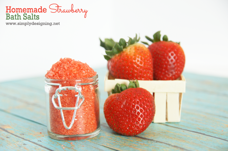 Homemade Strawberry Bath Salts - must pin for later! | simple to make and a wonderful gift! #mothersday #gift #handmadegift #bath #spa #diybeauty