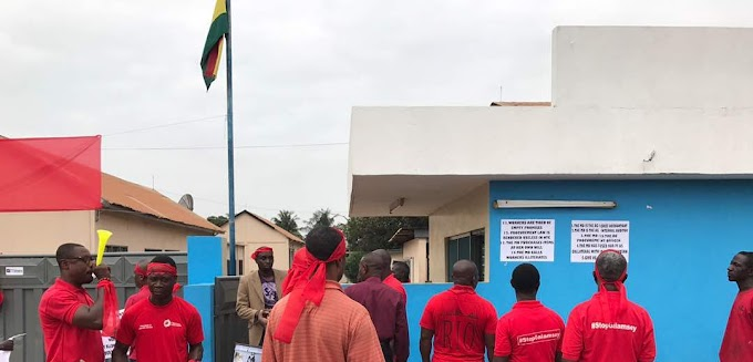 Ghanaian Times staff demonstrate over poor management