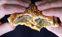 ΕΧΕΤΕ ΤΑΣΗ για παχυσαρκία; ΔΕΙΤΕ  τι ρόλο παίζει η ώρα που κοιμάστε...