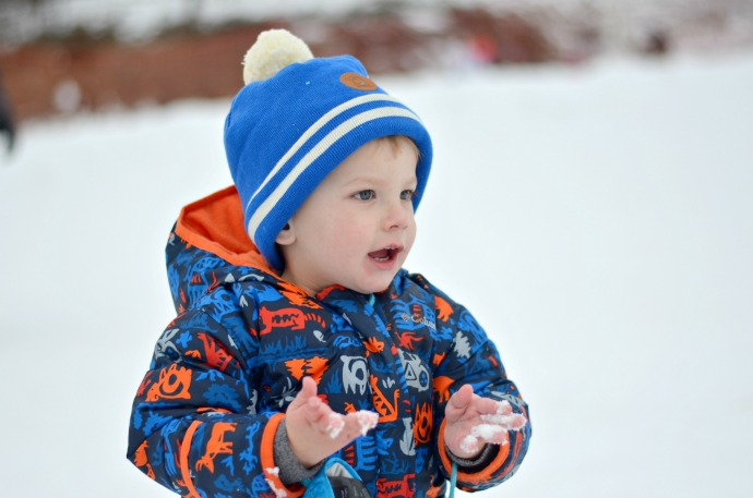 toddler in snow, family ski holiday, snowbizz with a toddler