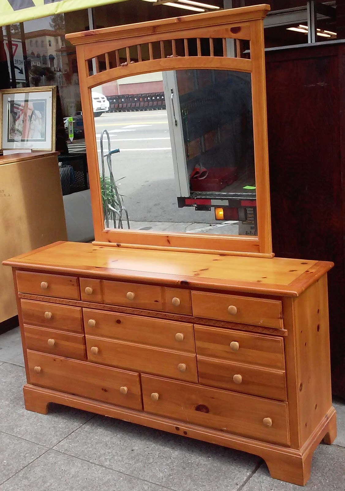 Uhuru Furniture Collectibles Sold Vaughan Furniture 5 1 2 39 Wide Honey Pine Dresser With