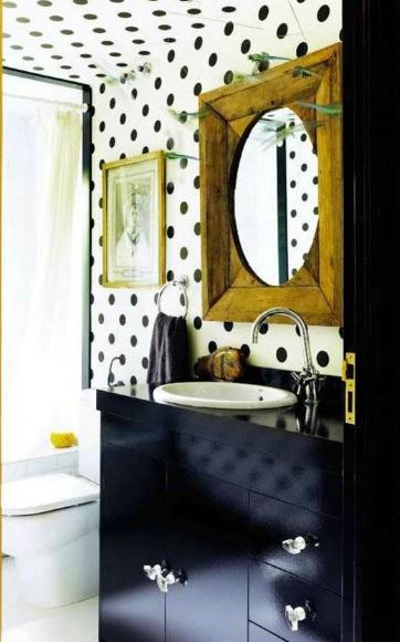 black white gold bathroom small space decorating idea