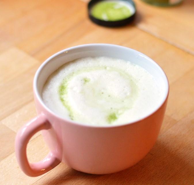 Coconut Matcha Latte #healthydrink #latte