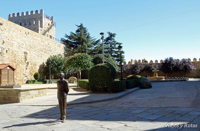 Plaza de Adolfo Suárez, Avila