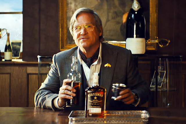 Champagne (Jeff Bridges) dans Kingsman, le cercle d'or de Matthew Vaughn (2017)
