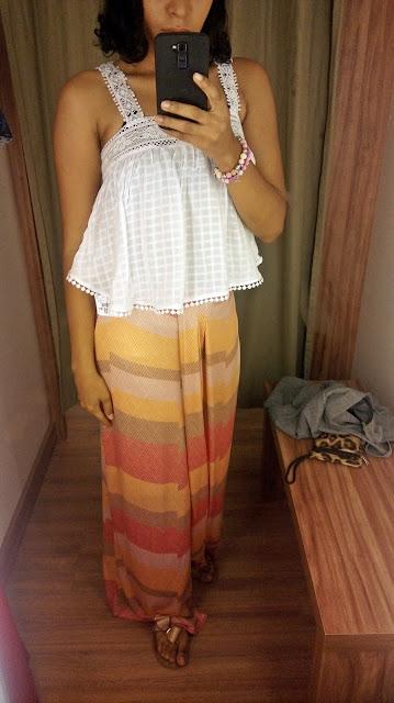Garimpo Natal e Réveillon: Renner Shopping da Bahia saia longa e blusa branca de renda