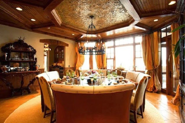 Luxury Dining Room with Circular Dining Table