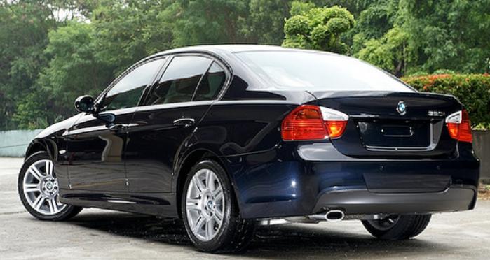 Spesifikasi Harga Mobil BMW 320i E90 sedan Kompak Gen5 – AUTOA on bmw 316ti, bmw alternator, bmw 525ix, bmw 528it, bmw 518i, bmw 740il, bmw 320ci,