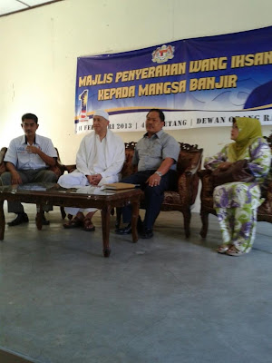 http://mediacybernet.blogspot.com/2013/02/majlis-penyampaian-bantuan-ehsan-mangsa.html