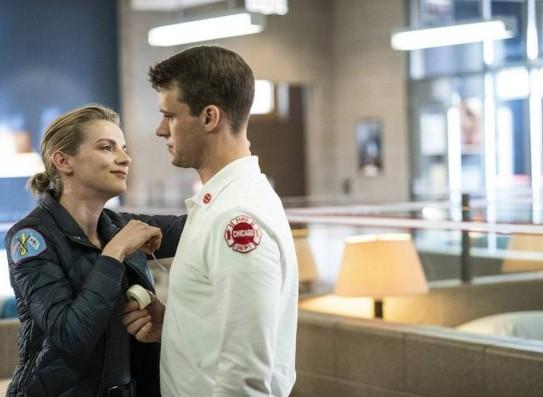 "NUP 186467 0185 595 Spoiler%2BTV%2BTransparent - Chicago Fire (S07E21) ""The White Whale"" Episode Preview"