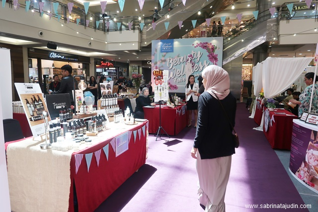 Eyebrow Threading Fashion Fair Mall