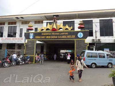 pintu masuk RSUD Abdul Moeloek