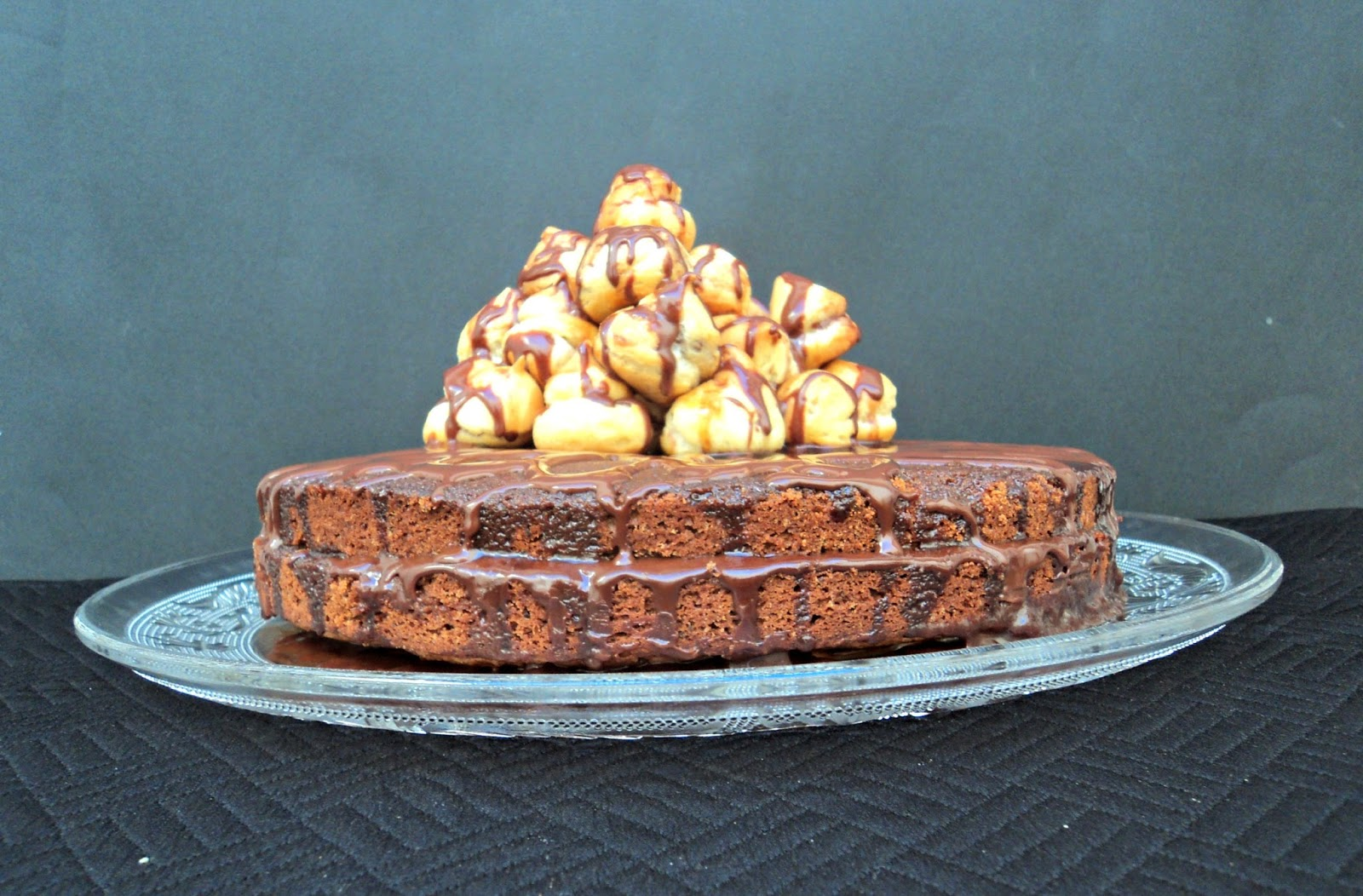 tarta-chocolate-cafe-profiteroles-lado