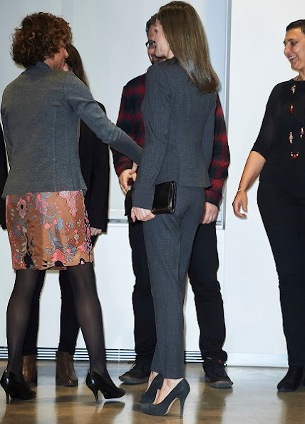 Queen Letizia wore HUGO BOSS jadela stretch virgin wool asymmetrical blazer and trousers