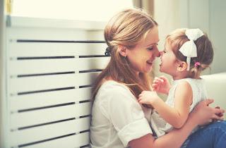 صور اطفال مع الام
