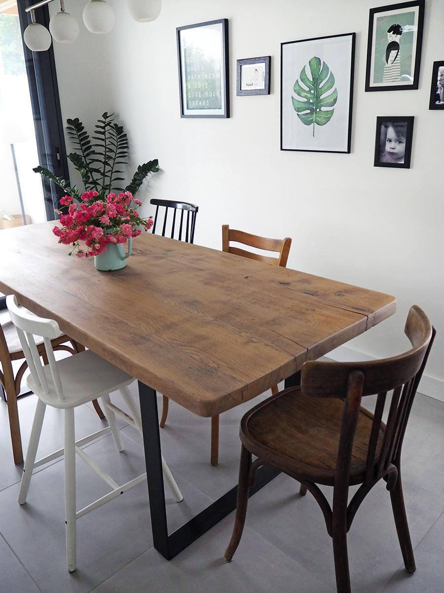 Et hop, une toute nouvelle vieille table    pour mes jolis mômes ...