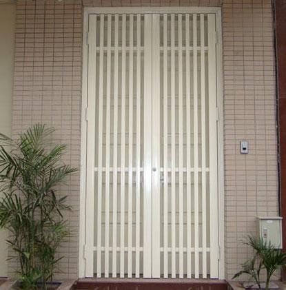Mẫu cửa cổng sắt 2 cánh GH14