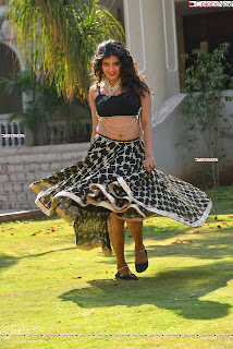Hebah Patel in Spicy Black Choli and Ghagra HD Pics  013.jpg