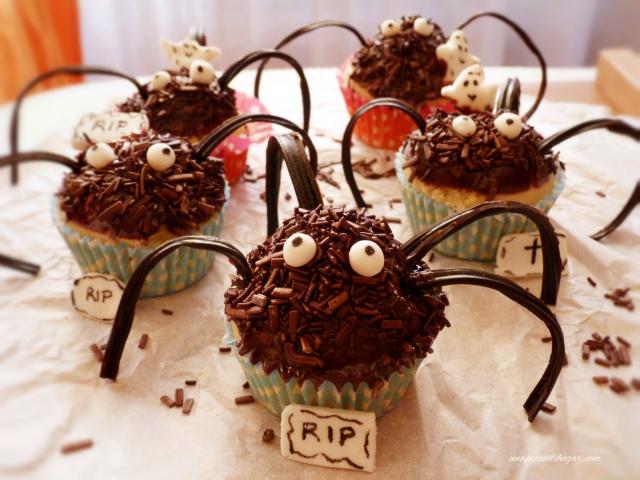 cupcakes para halloween con forma de araña