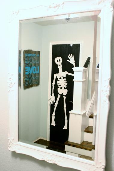 & Remodelaholic | Paper Plate Skeleton; Kids Craft!