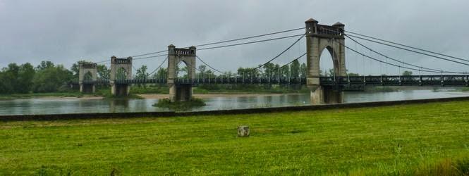 Puente sobre el Loira.