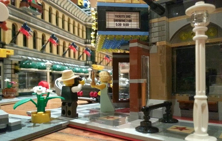 LEGO Palace Cinema set 10232 Giant Emporium build
