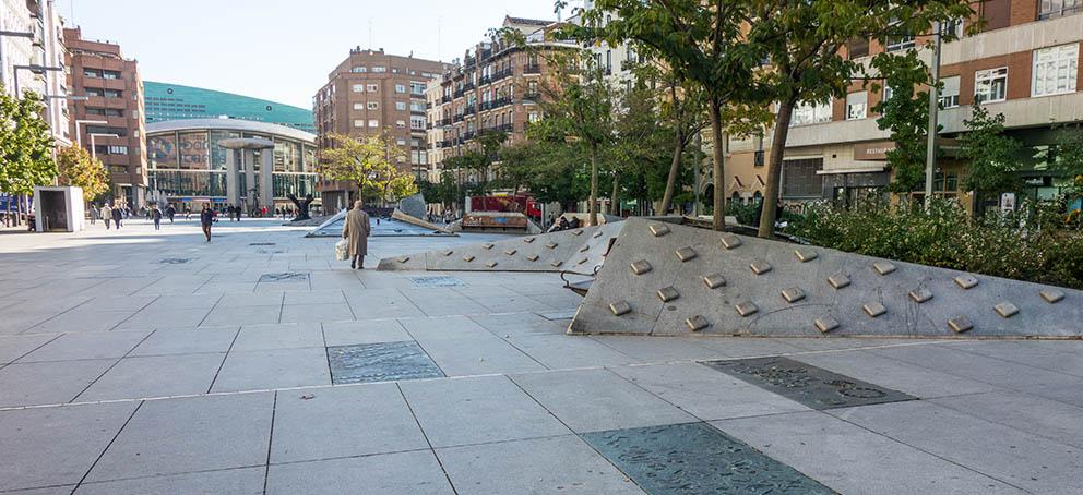 Urbanismos Plaza Salvador Dali De Madrid Ejemplo Moderno Y