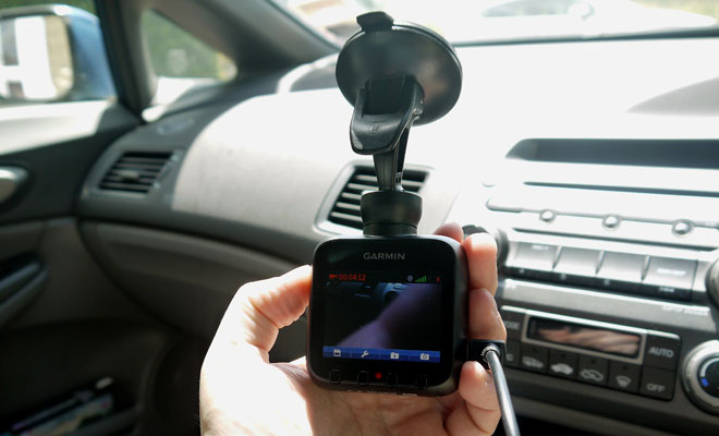 Garmin Dash Cam 20 screen-side view