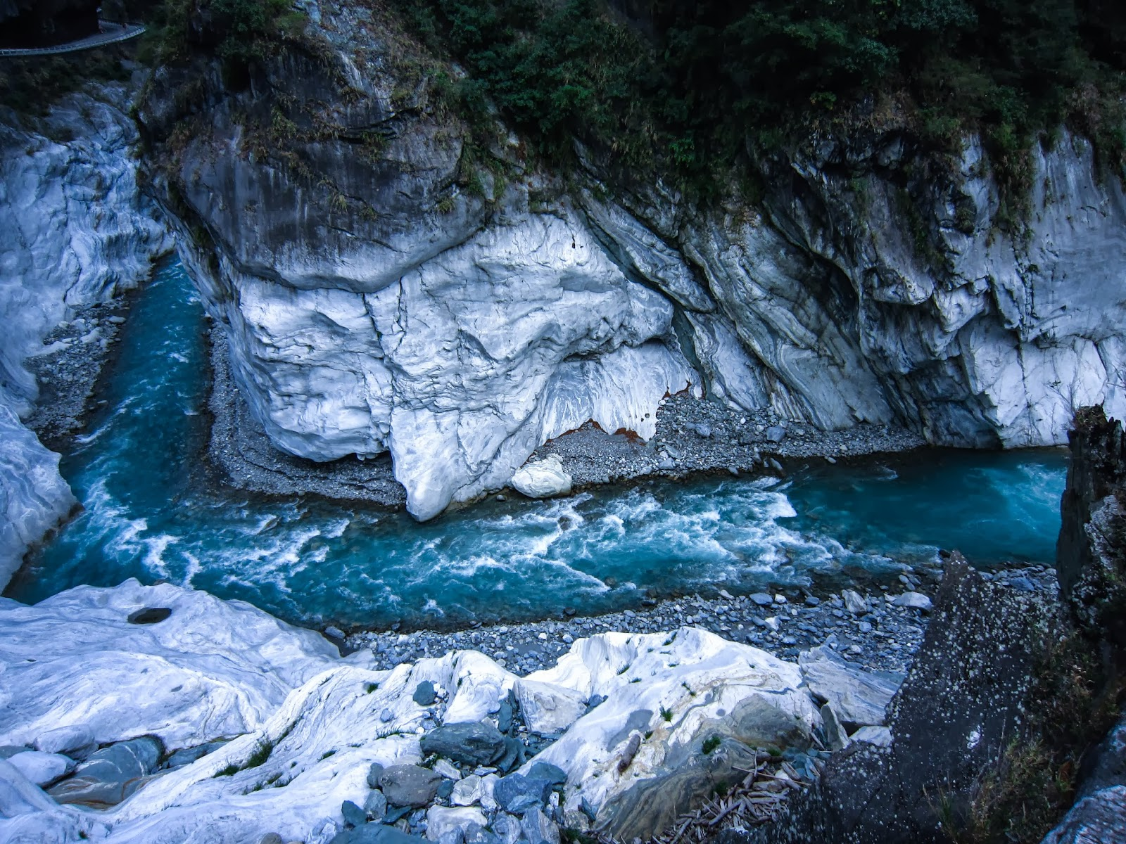 The Road Hualian And The Marble Gorge