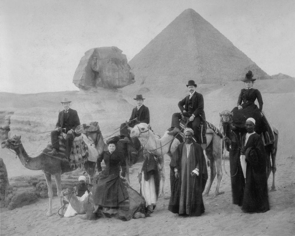 18 astonishing vintage photographs show victorian tourists