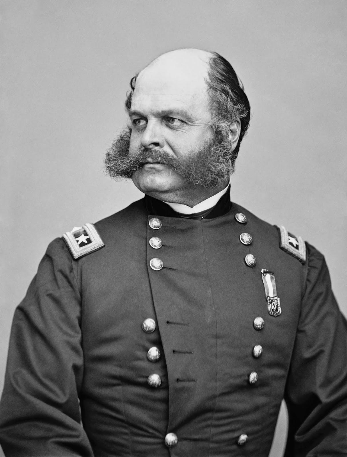 """El mayor general de la guerra civil, Ambrose Burnside, cuyo vello facial inusual llevó a la acuñación del término """"patillas""""."""