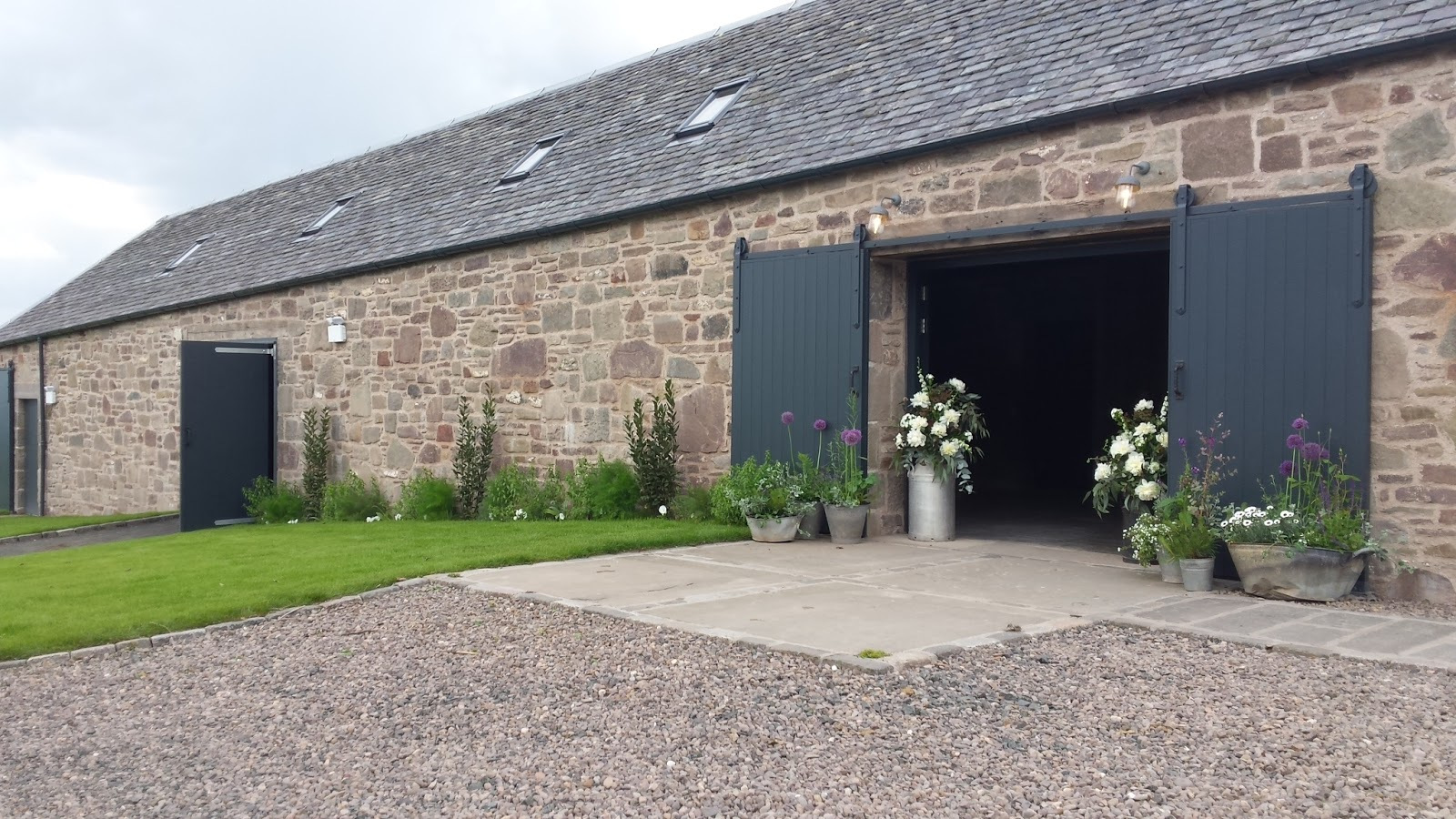 Humanist weddings in perthshire guardswell farm new events venue delighted to find myself at guardswell farm yesterday conducting the very first wedding to held at the new venue properly exciting solutioingenieria Choice Image