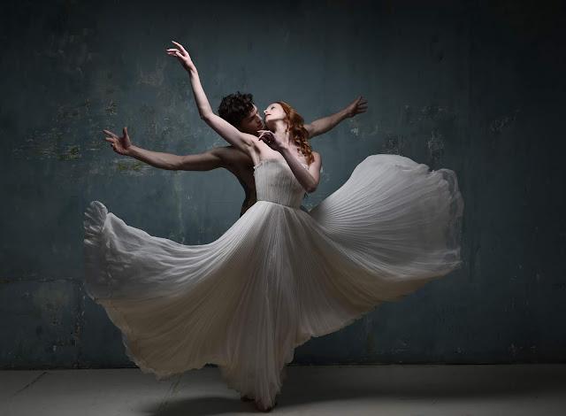 FANNY LIAUTARD créateur robe de mariée robe de soirée tailleurs et smoking Paris