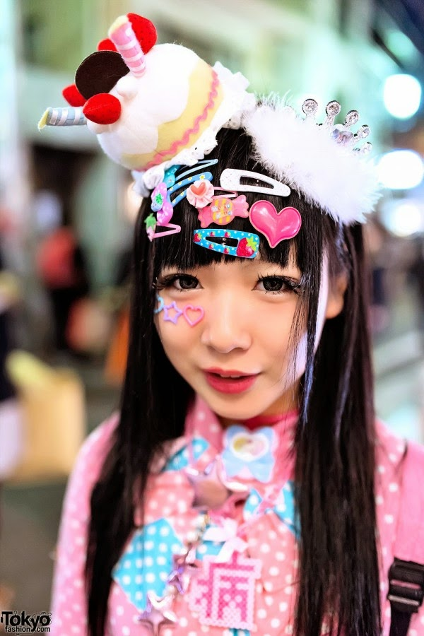 Schimmel Art: 10 years in the making - HARAJUKU Girls
