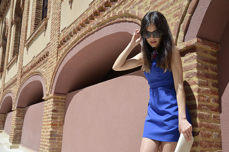 vestido-azul-klein-sandalias-blue-look-blogger-outfit-low-cost