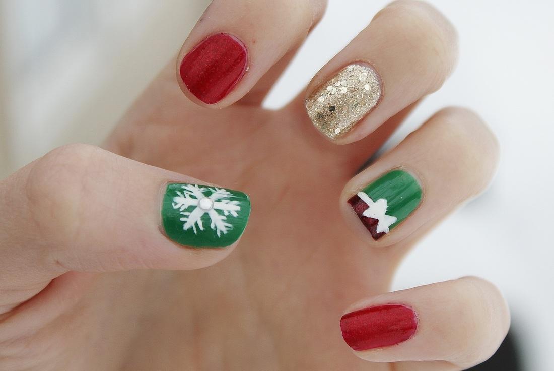 Easy Christmas nail art for kids