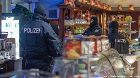 """Német rendőri vezető: """"fájdalmas darázscsípést"""" sikerült okozni a maffiának"""