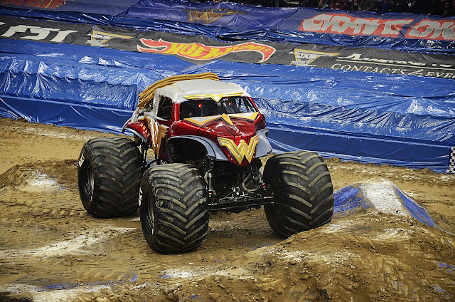 Monster Jam Wonder Woman