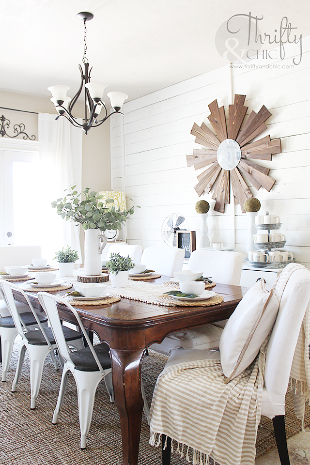 White and wood farmhouse dining room decor and decorating ideas. Cottage farmhouse dining room. White shiplap walls in dining room. DIY shiplap
