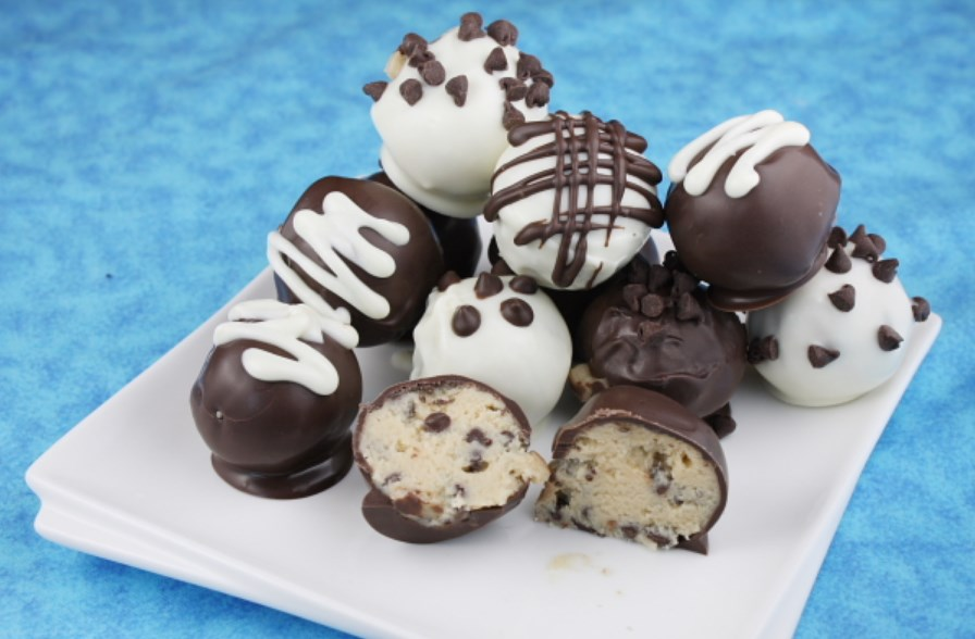 Chocolate Chip Cookie Dough Truffles #chocolate #desserts