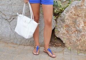 4 maneras de llevar el bolso perfecto para el verano