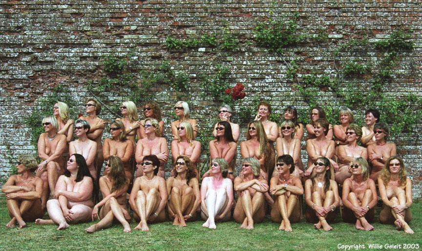 Naked Frisbee Team 52
