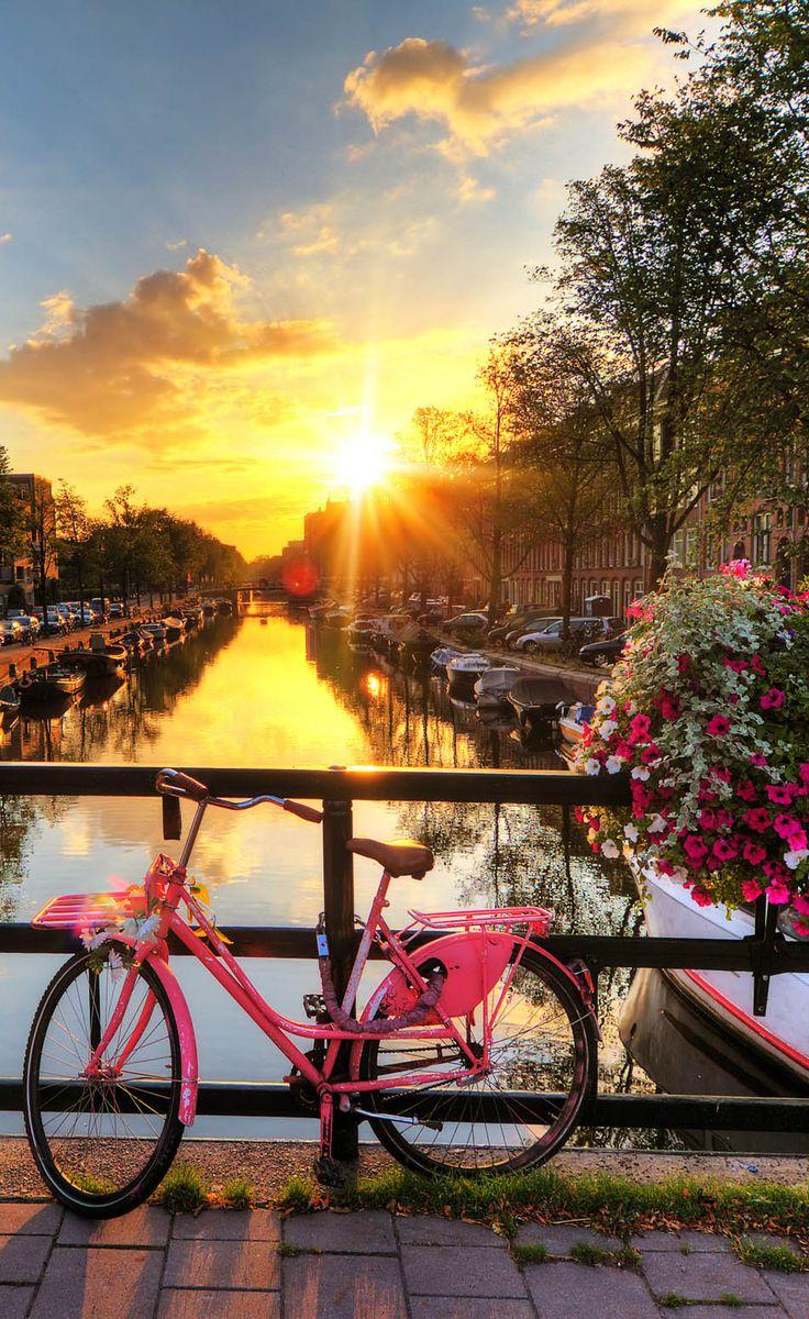 Рассвет в Амстердаме