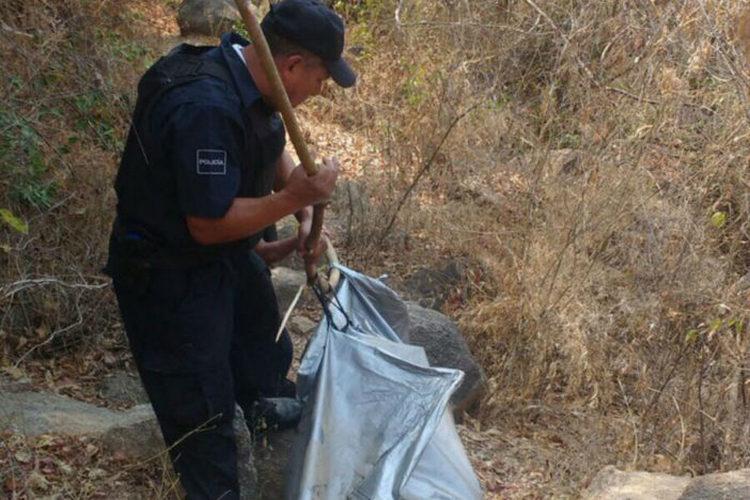 Hallan fosa con cuatro cuerpos y ejecutan a una mujer, en Acapulco
