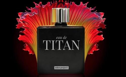 parfum pria eau de titan aroma bunga bangkai