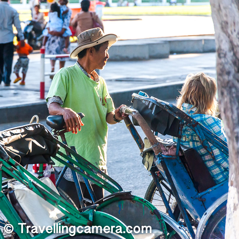 To spice up the scene a little more, there are the jovial cycle-rickshaw and tuk-tuk drivers. They are some of the liveliest people on the streets. They are friendly and helpful, despite being inclined to overcharge you for every ride. Bargain hard with them.