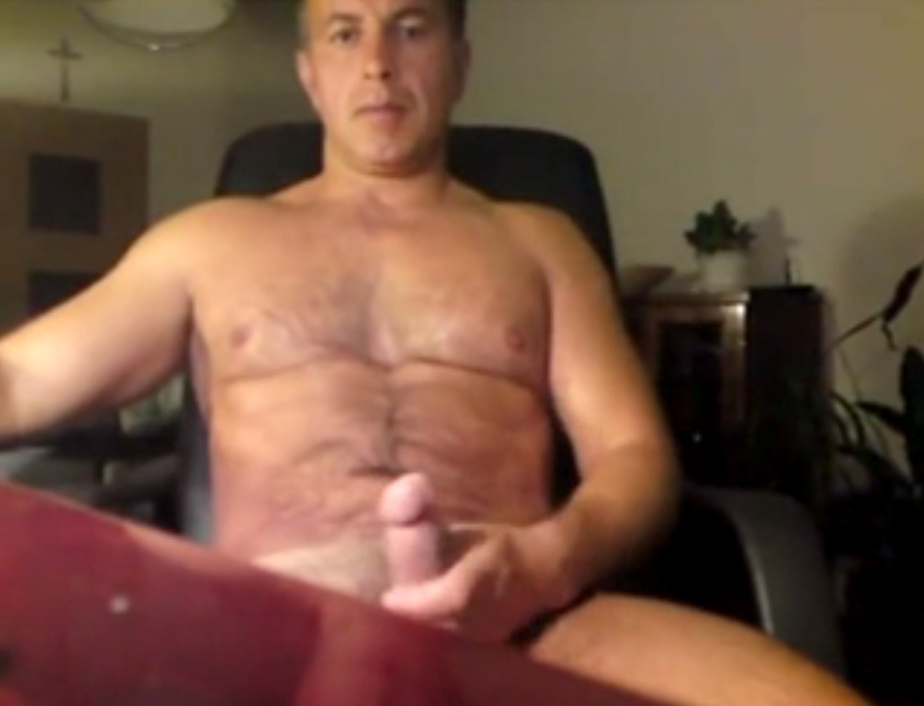 Horny Daddy Jerking Off On Cam