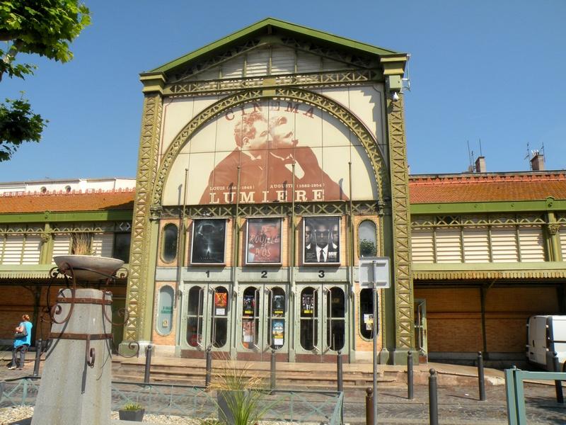 CITYGUIDE LA CIOTAT : Le cinéma Lumière / Un Week-end à La Ciotat / www.by-laura.fr